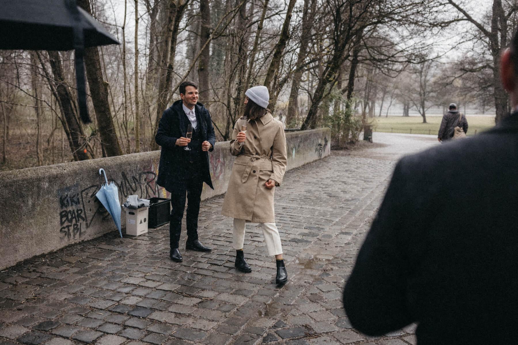 raissa simon fotografie urban civil wedding munich 008 - Nikolija + Niko