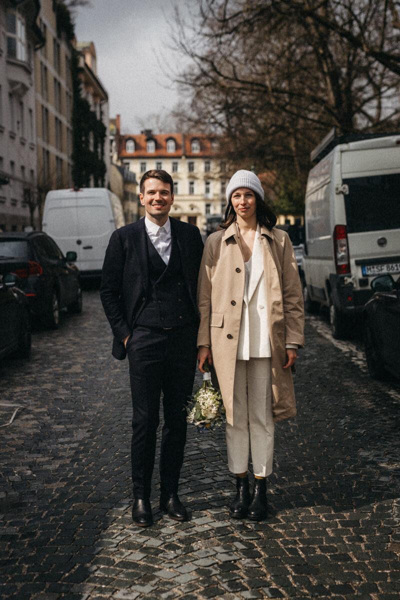 raissa simon fotografie urban civil wedding munich 011 - Nikolija + Niko