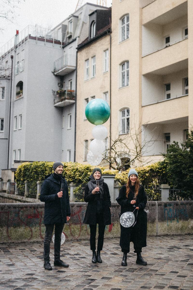 raissa simon fotografie urban civil wedding munich 041 - Nikolija + Niko