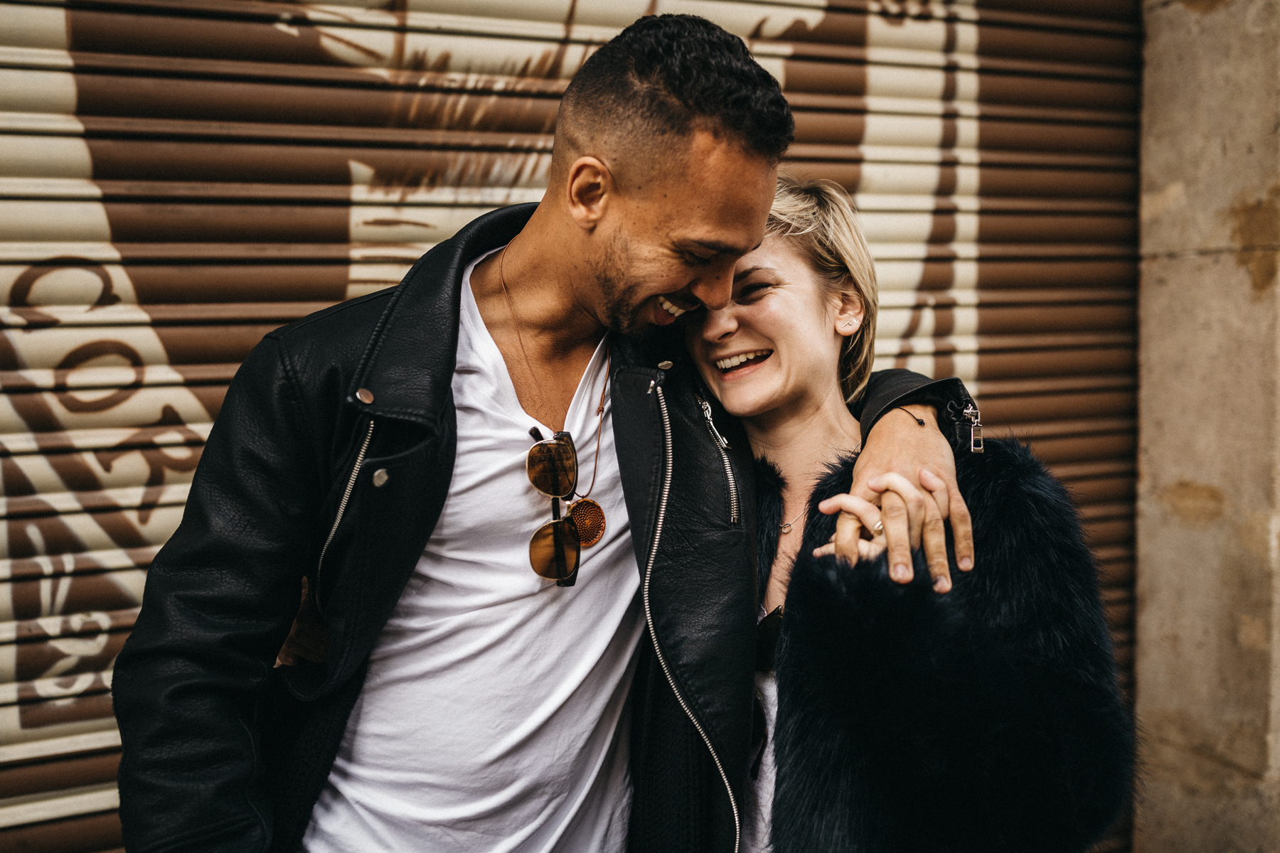raissa simon fotografie urban coupleshooting barcelona 011 - Wietske + Stefanos