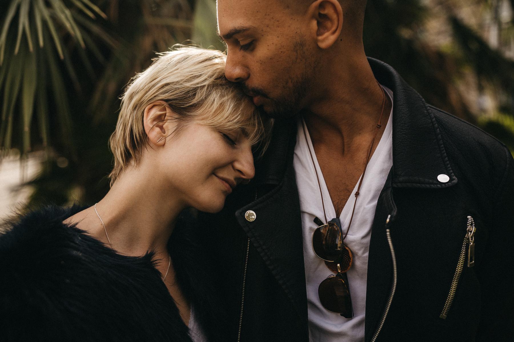 raissa simon fotografie urban coupleshooting barcelona 027 - Wietske + Stefanos