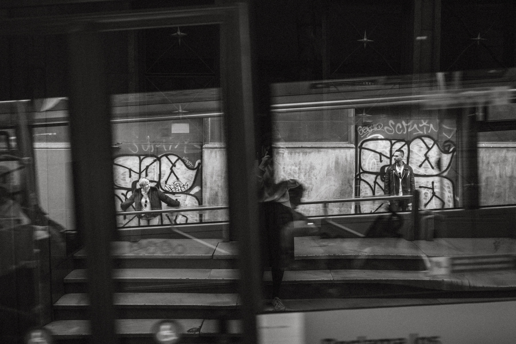 raissa simon fotografie urban coupleshooting barcelona 034 - Wietske + Stefanos